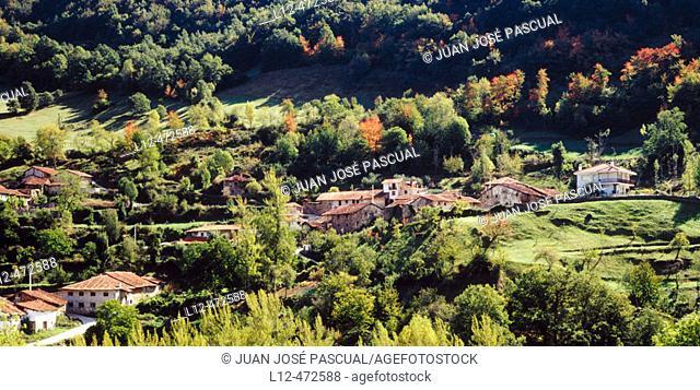 Valle de Valdeprado, Liébana area, Picos de Europa, Cantabria, Spain
