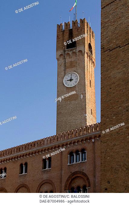 Treviso civic tower, 1218, Palazzo dei Trecento, Piazza dei Signori, Treviso, Veneto, Italy, 13th century