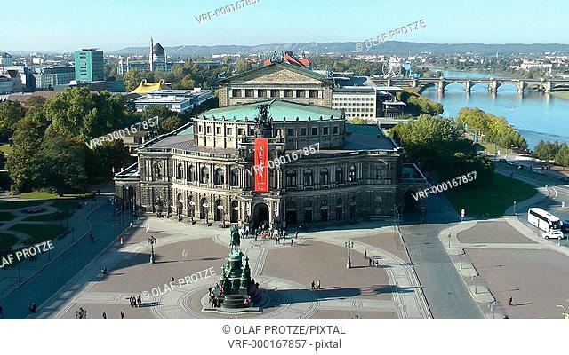 Zoom in of the historical Semper Opera, one of the most important landmarks in Dresden, East Germany