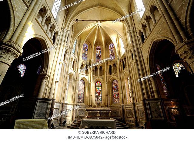 France, Aisne, Saint Michel en Thierache, abbey, church of the abbey, altar in the choir