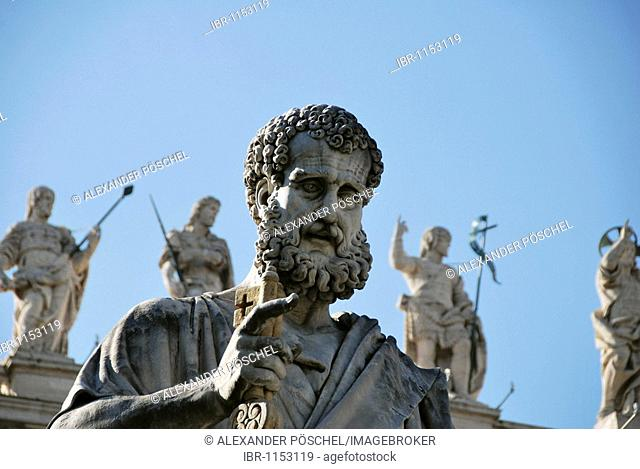 Statue of St. Peter holding a key, detail of St. Peter's Basilica, St. Peter's Square, historic city centre, Vatican City, Italy, Europe