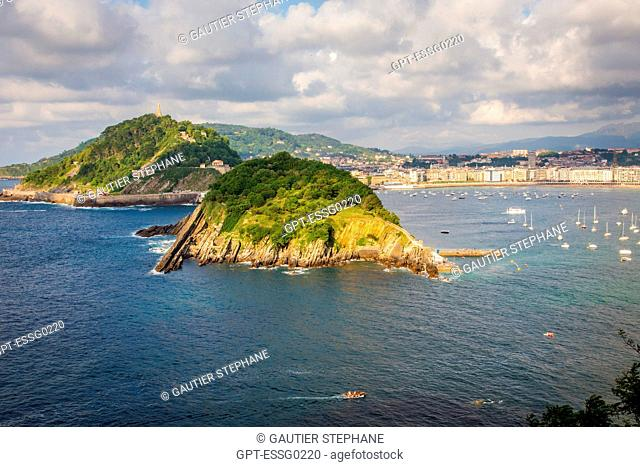 SANTA CLARA ISLAND SEEN FROM MONTE IGUELDO, SAN SEBASTIAN BAY, SAN SEBASTIAN, DONOSTIA, BASQUE COUNTRY, SPAIN