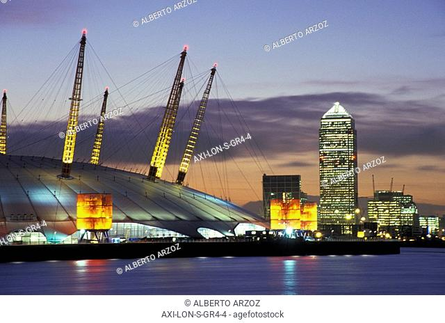 The Millennium Dome & Canary Wharf Tower, Greenwich