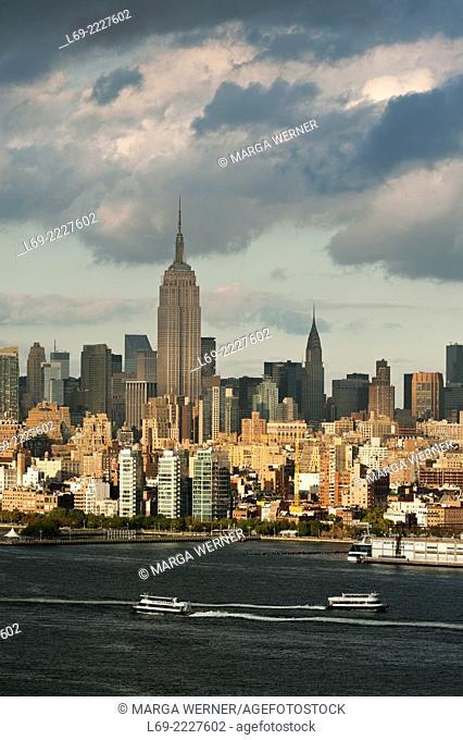 Skyline of Midtown Manhattan at Hudson River, New York City, USA