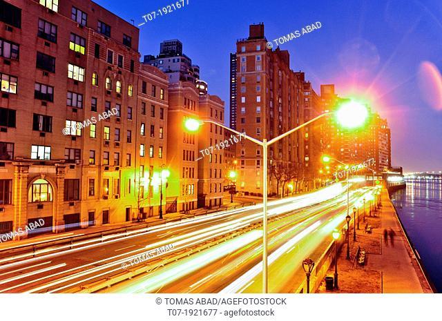 Traffic on the FDR Drive aka East River Drive, Midtown Manhattan, USA