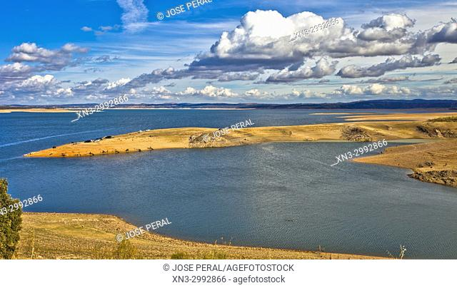 Valdecañas reservoir, River Tajo, Tagus river, Caceres Province, Extremadura, Spain, Europe