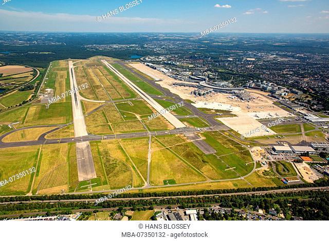 Overview on the runways 05L and 05R, Dusseldorf Airport, Dusseldorf-Lohausen Airport, Dusseldorf, Rhineland, North Rhine-Westphalia, Germany