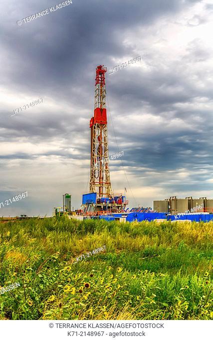 An oil drilling rig in the Bakken field near Williston, North Dakota, USA