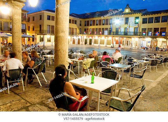 People sitting on terrace at evening, Main Square. Night view. Tordesillas, Valladolid province, Castilla León, Spain