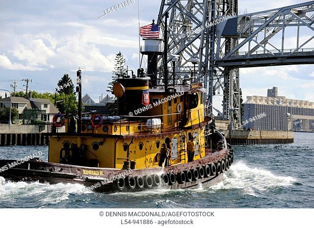 Edward H tugboat enters harbor area in Duluth Minnesota