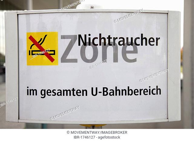 Sign, metro, Nichtraucher Zone, German for Non-smoking area, Berlin, Germany, Europe
