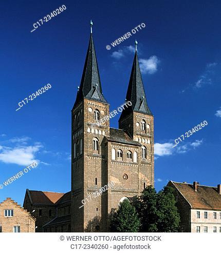 Germany. Jerichow, Elbe, Elbe-Havel Canal, Altmark, Middel Elbe Biosphere Reserve, Flusslandschaft Elbe Biosphere Reserve, Saxony-Anhalt, Jerichow Monastery