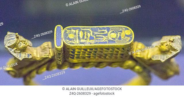 Egypt, Cairo, Egyptian Museum, gold armlet found in the tomb of the queen Ahhotep, the mother of Ahmosis, Dra Abu el Naga, Luxor