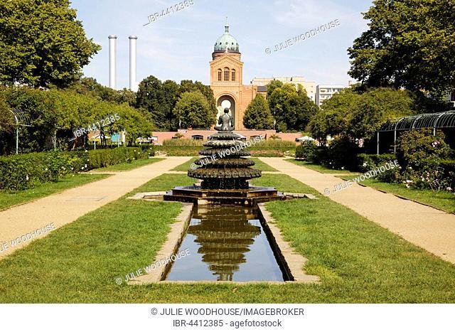 Indischer Brunnen, Indian Fountain and Church Sankt Michael, Michaelskirche, Sankt-Michael-Kirche, Luisenstadt Canal, Kreuzberg, Berlin, Germany
