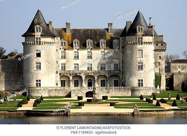 France, Poitou Charentes province, Departement of Charente Maritime 17, La Roche Courbon   Castle of La Roche Courbon with its special architecture, garden