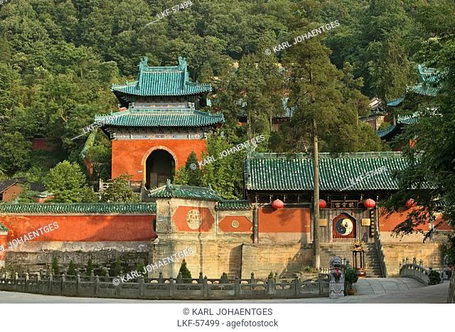 Entrance gate to Purple Cloud Temple, Zi Xiao Gong with Ying Yang, Mount Wudang, Wudang Shan, Taoist mountain, Hubei province
