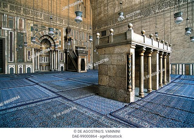 The qibla wall with mihrab and minbar, the prayer hall of the Mosque-Madrassa of Sultan Hassan (14th century), Cairo, Egypt