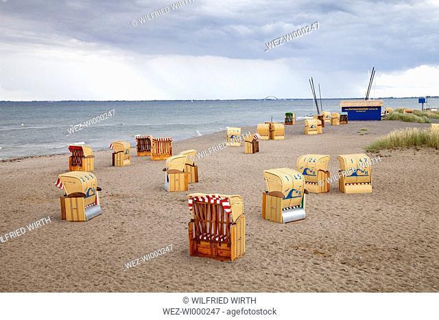 Germany, Schleswig-Holstein, Heiligenhafen, beach chairs at beach