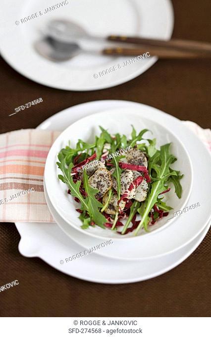 Lukewarm Jerusalem artichoke salad with rocket and radicchio