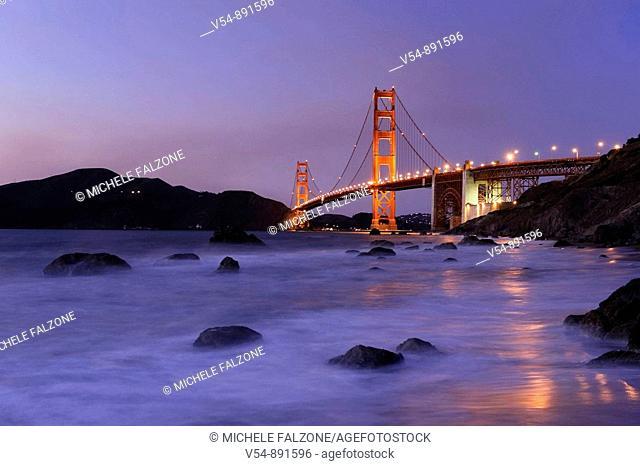 Usa, California, San Francisco, Baker's Beach and Golden Gate Bridge