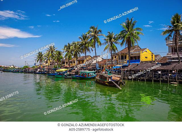 Ships in Thu Bon River in Hoi An, Centre of Vietnam, Asia