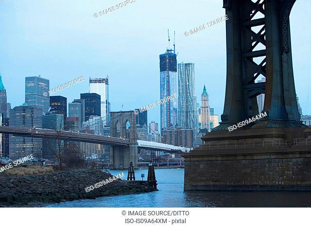 New York City skyline and bridges