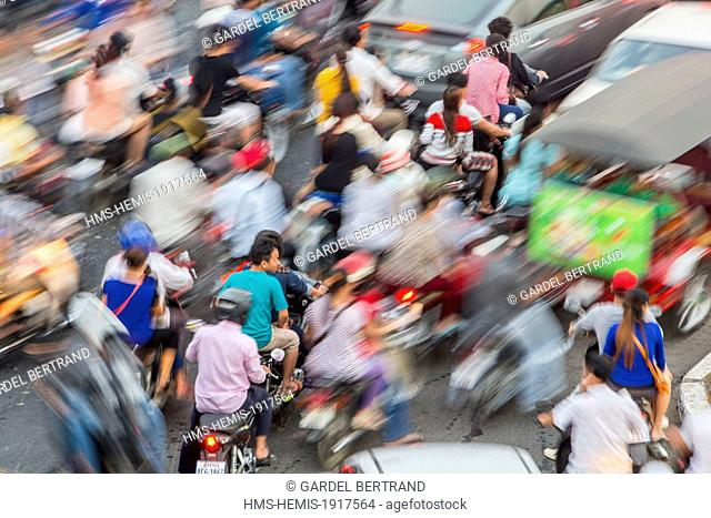 Cambodia, Phnom Penh, traffic jam on Sisowath Quay