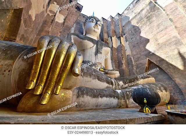Sitting Buddha in Wat Si Chum temple, Sukhothai, Thailand, Asia