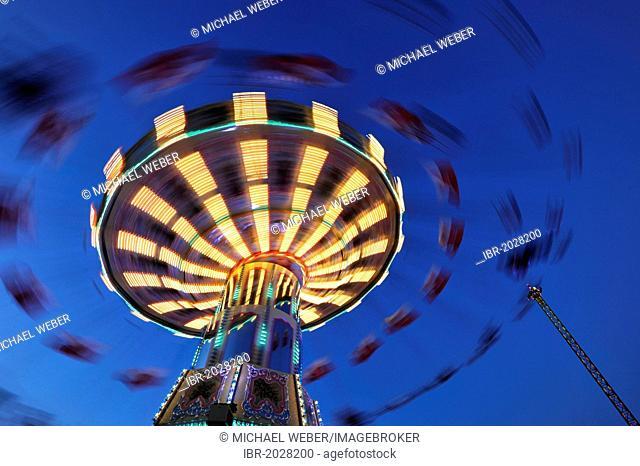 Night scene, Chair-O-Planes or swing carousel, Cannstatter Volksfest, Wasen, Stuttgart Beer Festival, Bad Cannstatt, Stuttgart, Baden-Wuerttemberg, Germany
