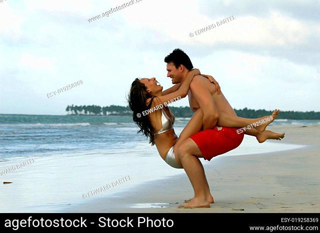 Spaß zu zweit am Strand