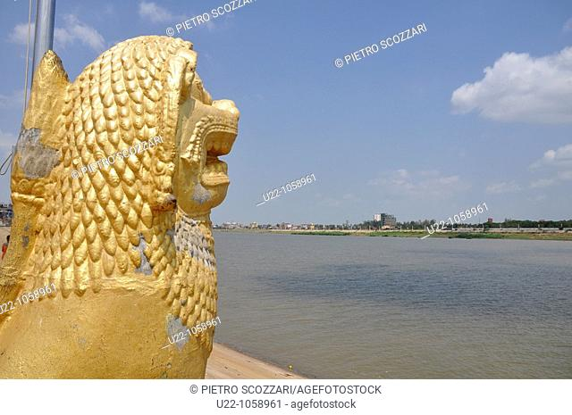 Phnom Penh (Cambodia): the riverside at the confluence of the Tonlé Sap, Mekong, and Bassac rivers
