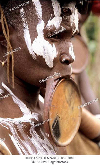 Portrait of a Surma woman wearing her clay plate in her lower lip, Sudan