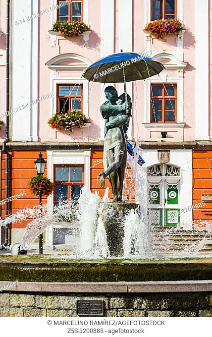 Fountain of kissing students, in the background the town hall. Tartu, Tartu County, Estonia, Baltic states, Europe