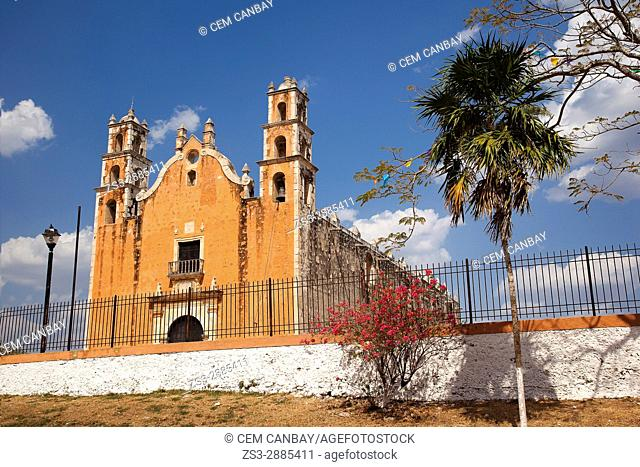 View to the church at the town center, Tecoh, Convent Route, Yucatan Province, Mexico, Central America