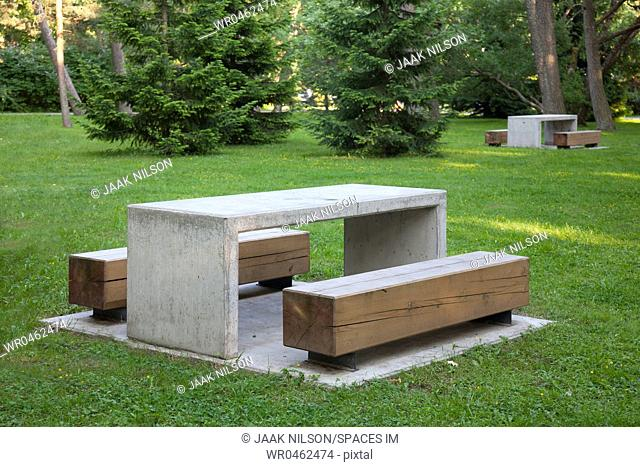 Simple Park Benches and Tables