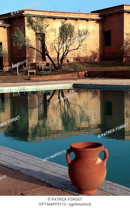 SWIMMING POOL, ECO-LODGES DESIGNED IN THE PURE BERBER TRADITION WITH ATTENTION GIVEN TO COMFORT AND RESPECT FOR THE ENVIRONMENT, TERRES D'AMANAR, TAHANAOUTE