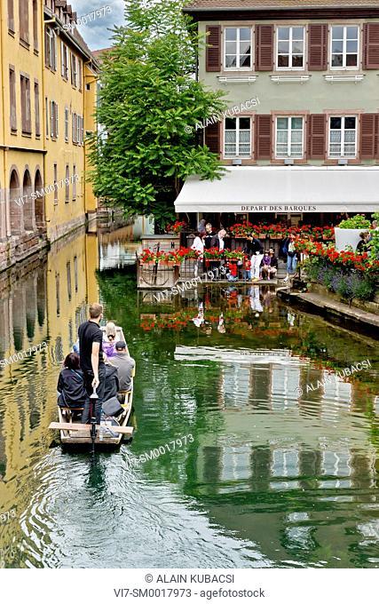 Boat trip, Quartier de la Krutenau, La Petite Venise, Colmar, Haut-Rhin , France