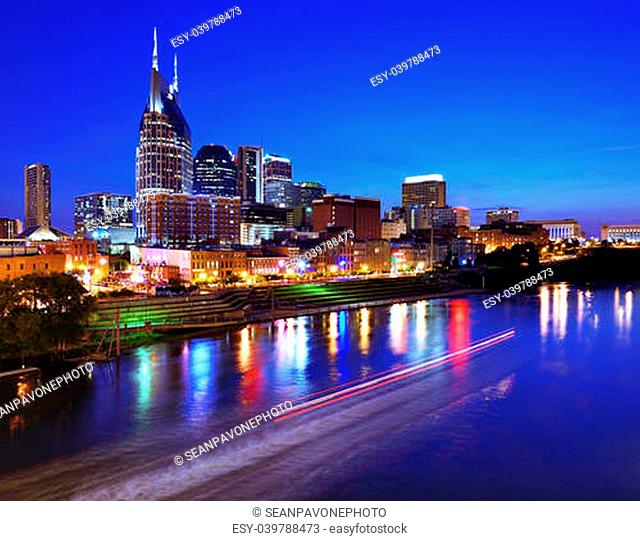 Skyline of downtown Nashville, Tennessee, USA