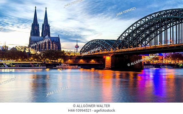 Rhine, Cologne Cathedral, Hohenzollernbrücke, Cologne, North Rhine-Westphalia, Germany, Europe