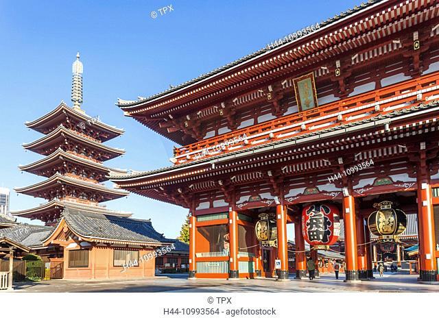Japan, Honshu, Tokyo, Asakusa, Sensoji Temple aka Asakusa Kannon Temple, Pagoda and Temple Gate