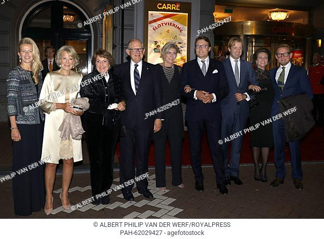 Princess Mabel (L-R), Princess Irene, Princess Margriet, Pieter van Vollenhoven, Princess Laurentien, Prince Constantijn, Prince Floris