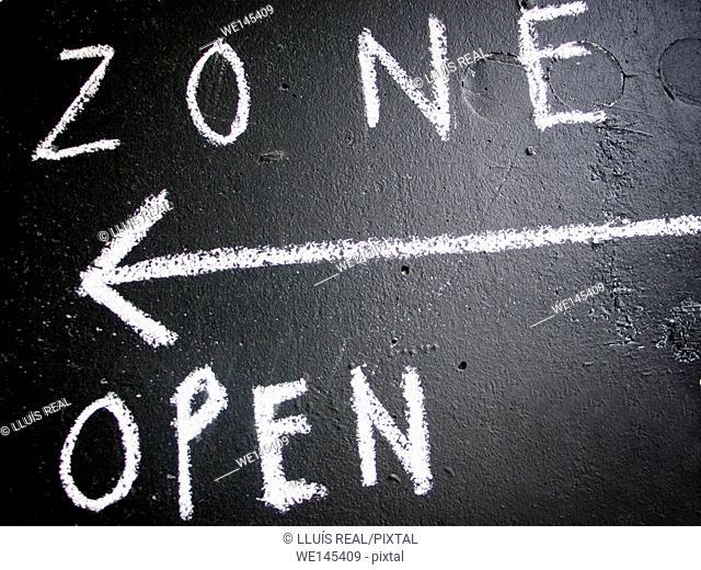 Zone, arrow, open. Sign