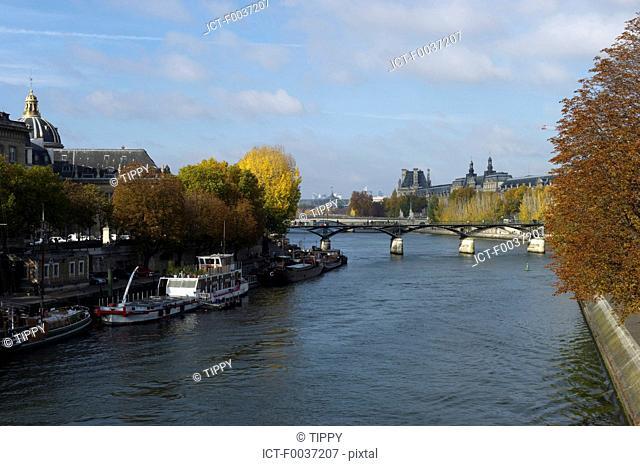 France, Paris, barges near pont neuf