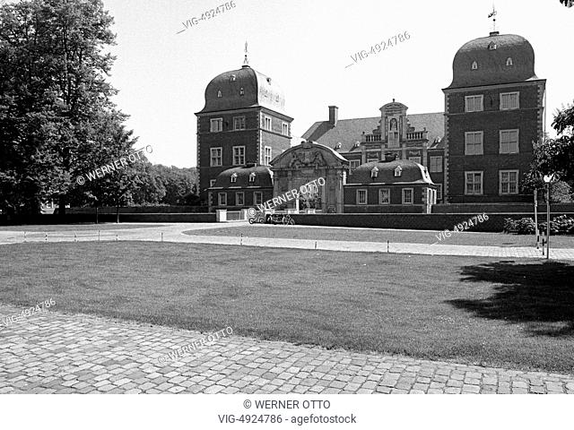 Eighties, D-Ahaus, Ahauser Aa, Muensterland, Westphalia, North Rhine-Westphalia, NRW, Ahaus Castle, moated castle, hunting lodge, baroque - Ahaus