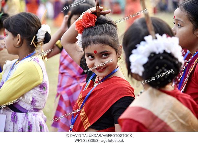 assam, bihu, dance, traditional, folk, assamese, india, silk, guwahati, clothing, festival, rongali, girl, beautiful, dancer, young, art, adult, outdoor