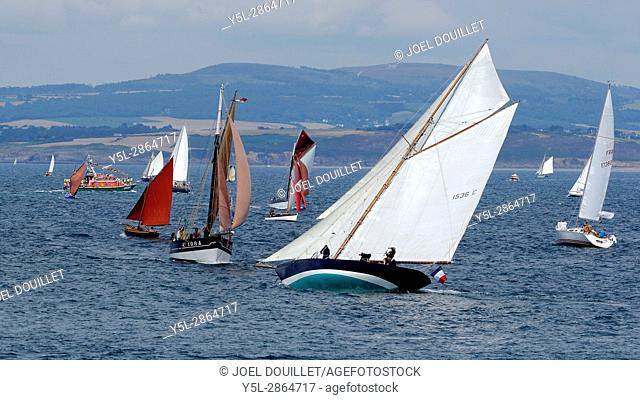 Corbeau des mers: fishing vessel of the lobster pickup type, wooden sailboat, rigged in sloop, built in 1931 for a fisherman on Sein Island