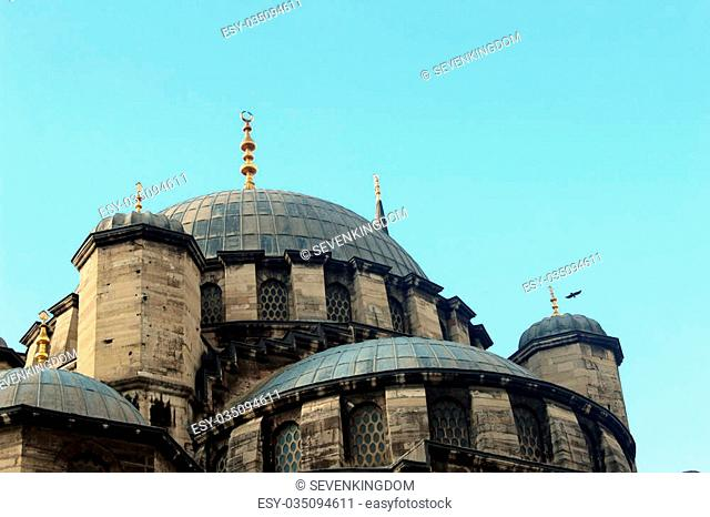 The Yeni Mosque, New Mosque or Yeni Cami is an Ottoman imperial mosque located in the Emin?n? district of Istanbul, Turkey