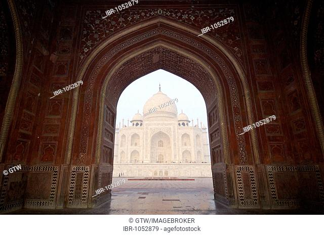 Taj Mahal, UNESCO World Heritage Site, Agra, Uttar Pradesh, India, South Asia