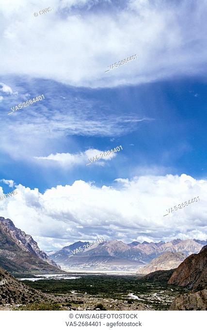 Rawu, Nyingchi, Tibet - The Beautiful Mountain View