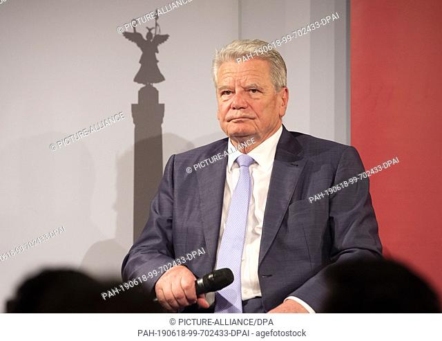 "18 June 2019, Berlin: Former Federal President Joachim Gauck sits on the podium at the KulturKaufhaus Dussmann presenting his new book """"Tolerance - Simply..."